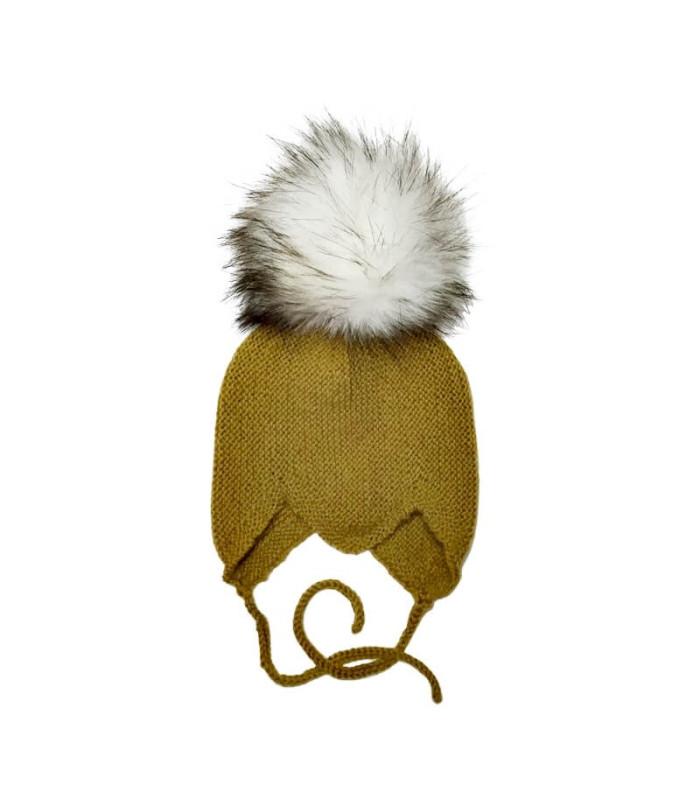 Babystrikhue med pelskvast - sennepsgul
